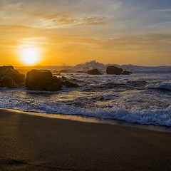 Sunset (paulafcmirandaa) Tags: sunset pordosol sea praia beach mar playa puestadesol paradaise