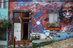 Cerro Alegre, Valparaso (silkylemur) Tags: chile street streets latinamerica southamerica canon lens zoom streetphotography fullframe valparaso canoneos ef canoneflens cerroalegre canonlens canonef2880mmf3556ii regindevalparaso  efmount canonef2880mm basiclens strasenfotografie canoneos6d