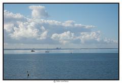 Lelystad aan de overkant (voorhammr) Tags: john jan maurice boten debby zon vuurtoren henk urk schepen blauwelucht cameranunl