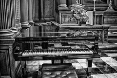 Steinway & Sons Piano (itsbradders) Tags: cambridge blackandwhite bw white black college beautiful beauty blackwhite nice pretty artistic piano picture chapel trinity steinway sons