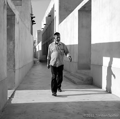 Friday Morning Doha Downtown Walk, 22.04.2016 (Robber34) Tags: leica blackandwhite bw film analog analogue schwarzweiss doha qatar foma fomapan katar