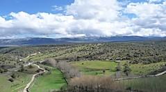 Desde el mirador de las Hontanillas (pibepa) Tags: cloud verde clouds rboles nuvole nieve paisaje sierra cielo nubes campo montaa nube guadarrama pedraza nwn dehesa prados nuvoli desdeelmirador pibepa abril2016 p1800301