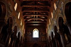 Monreale - Palermo (Massimo Frasson) Tags: italy italia monumento chiesa palermo architettura oldcity sicilia chiostro interno oro cattedrale monreale centrostorico religione mosaici pittoresco normanni spiritualit