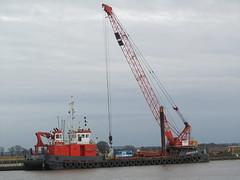 """Rebecca M"" - Humber Workboats (Unimog1300L) Tags: barge rebeccam crawlercrane gooledocks humberworkboats imicrane"
