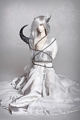 In Chains (Labeula) Tags: boy white chains doll evil demon bjd raymond horn dollfie dz dollzone asianballjointeddoll