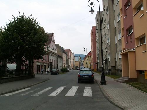 Ulica Kościelna w Lądku-Zdroju w stronę rynku