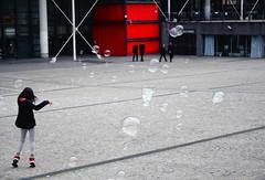 postcard from Paris (marco_diquattro) Tags: street city people urban paris children photo streetphotography bubble enfant citt parigi streetcolour diquattro marcodiquattro