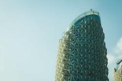 Al Bahr Towers (Andr Moecke) Tags: building architecture abudhabi pineaple abacaxi skycraper ahr albahr