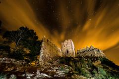 El guardin de la Calderona / Calderona's keeper (PacoQT) Tags: parque castle abandoned night clouds stars ruins natural stones sierra ruinas nubes estrellas serra castillo startrails piedras contaminacin lumnica calderona quiles pacoqt