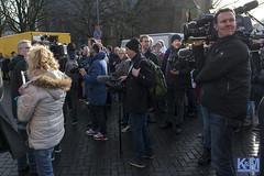 Geert Wilders in Spijkenisse (Erwin van Maanen) Tags: market islam nederland markt freedomparty politiek spijkenisse politie geertwilders pvv nikond800 erwinvanmaanen kroonenvanmaanen nissewaard verzetsspray