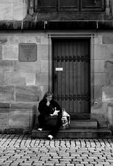 Thoughts (Isengardt) Tags: door bw woman white black monochrome canon germany bag deutschland eos europa europe finger thoughts sw 1855mm monochrom frau weiss tr schwarz esslingen badenwrttemberg gedanken einkaufstte 550d