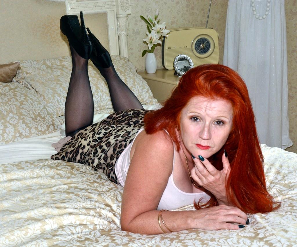 Redhead Slut In Leopard Leggings