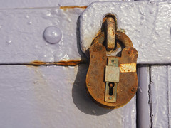 Padlock (only lines) Tags: kent lock padlock folkestone