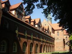 Am Kloster Lehnin, Brandenburg ... (bayernernst) Tags: park deutschland kirche september brandenburg klosterkirche 2013 lehnin klosterlehnin 07092013 snc16997
