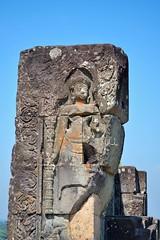 Phnom Bakheng - Devata reliefs on the summit (Simon5591) Tags: khmer angkorwat siemreap phnombakheng