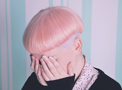 bidib bodib bu! (Lucienne Champ) Tags: pink white colors girl hair iso200 hands nikon pastel stripes sigma mani marshmallows tiffany haircuts ragazza capelli 18125mm d5000