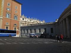 20150531 RT 02 Roma Petersdom Statuen Glaubenskongregation Palazzo del Sant'Ufficio (pilger.berndhubert) Tags: italien rome roma rom papst petersdom petersplatz papstaudienz