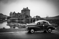 UK - Scotland - Dornie - Eilean Donan Castle [EXPLORED 2016-Apr-14] (Marcial Bernabeu) Tags: uk wedding castle classic car kyle scotland unitedkingdom united boda kingdom escocia coche bridal eilean donan castillo bodas novios bernabeu reino unido nuptial reinounido lochalsh marcial clsico bernabu kyleoflochalsh nupcial granbretaa