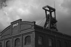 Pact (gero.skorne) Tags: essen kohle unesco nrw schwarzweiss industrie ruhrgebiet zollverein zeche ruhrpott welterbe industriekultur bergbau steinkohle