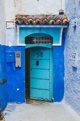 Puerta de Chefchaouen (Pablo Rodriguez M) Tags: blue azul bleu morocco maroc chefchaouen marruecos