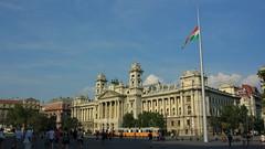 Kossuth Lajos tr / Kossuth Lajos square (bencze82) Tags: square hungary budapest parliament mm 20 pest voigtlnder orszghz magyarorszg f35 colorskopar lajos kossuth tr slii