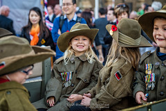 ANZAC Day 2016 #Melbourne (Qicong Lin(Kenta)) Tags: street city people smile childhood children child australia melbourne parade anzac anzacday anzacmarch