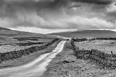 The coal road (Ciaobrian) Tags: weather yorkshire brooding desolate yorkshiredales dentdale settlecarlislerailway