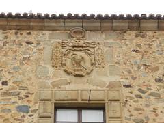 Palacio episcopal Plaza de Santa Maria Caceres 03 (Rafael Gomez - http://micamara.es) Tags: santa plaza de la maria unesco episcopal palacio escudo caceres humanidad patrimonio heraldico