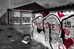... just a love story. (ericbaygon) Tags: love monochrome wall nikon paint heart decay tag coeur amour mur graffitis nikonpassion d300s