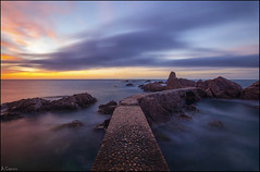 Camino al amanecer (antoniocamero21) Tags: costa color marina mar agua foto sony paisaje girona cielo catalunya brava rocas canyet rosamar