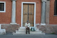 Roma, Personaggio a Trastevere (Armando Moreschi) Tags: people rome roma homeless poor trastevere lonliness solitudine dropout povero personaggio armandomoreschi