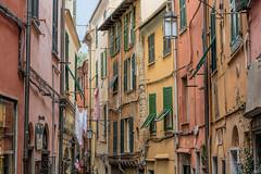 I colori di Porto Venere (marypink) Tags: liguria details case portovenere borgo unescoworldheritage finestre 2470mmf28 facciate nikond5200