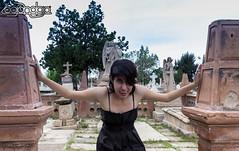 2015_04_05_JRFM_9999_252 (logandgo007) Tags: vampire blueeyes tomb pantheon dracula tumbas durango vamp bramstoker vestidonegro vampireza ladyvampire panteondeoriente logandgo cristinatenorio