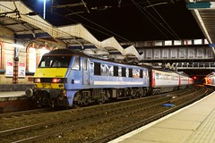 The last of the blue 'One' liveried Class 90s, 90007 at Ipswich, with the 21.30 London Liverpool St to Norwich Service. 05 02 2016 (pnb511) Tags: electric traction railway loco trains locomotive ipswich class90 geml greateasternmainline abelliogreateranglia
