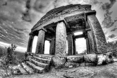 Donon, Alsace, France (Bruno MATHIOT) Tags: bw cloud black france rock canon french mono noiretblanc outdoor pierre nb fisheye alsace nuage 8mm blanc escalier hdr colonne photomatix samyang tonemapping 650d