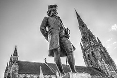 James Boswell (AnnieWilcoxPhotography) Tags: uk greatbritain blackandwhite bw building church monochrome statue scotland blackwhite nikon memorial edinburgh europe december britishisles unitedkingdom britain spire sword british hdr highdynamicrange hdri lothian marketsquare stmarys lichfield edifice edifices placeofworship 2015 blithfield photomatix auldreekie religiousbuilding jamesboswell photographytechnique d7000 9thlairdofauchinleck anniewilcox wwwanniewilcoxcouk