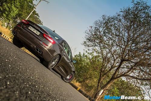 2016-Maserati-Quattroporte-GTS-12