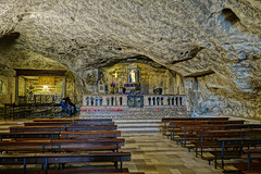 """monte_sant_angelo_grotte • <a style=""""font-size:0.8em;"""" href=""""http://www.flickr.com/photos/137809870@N02/25126835370/"""" target=""""_blank"""">View on Flickr</a>"""