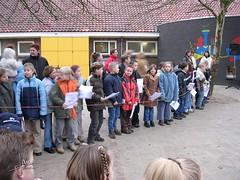 OBS Glanerbrug Noord - Sinterklaas 2003 (glanerbrug.info) Tags: 2003 holland netherlands sinterklaas nederland paysbas sintnicolaas twente overijssel niederlande kamphuisniek glanerbrugobsglanerbrugnoord