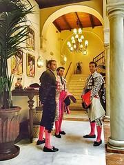 Tarde de Toros. Sevilla (G de Tena) Tags: luces casa toros traje capote palacio cuadro matador torreros