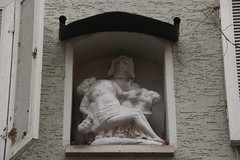 Piet at Hauptstrae 91 in Zell am Main (Bjrn S...) Tags: statue bayern bavaria franconia franken zell baviera piet franconie bavire vesperbild hauptstrase zellammain viergedepiti zellamain hauptstrase91
