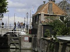 (sluice) sluis, 't Zand Monnickendam, Netherlands (C. Bien) Tags: holland history netherlands nederland sluice sluis noordholland waterland historie geschiedenis monnickendam northholland
