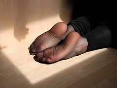 20100418_15_08_16_00366.jpg (pantyhosestrumpfhose) Tags: feet stockings shoes legs pantyhose schuhe nylons strumpfhose collants pantyhoselegs sheerlegs nylonlegs