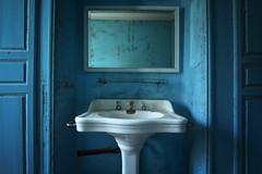 I asked red (Post-Mortem (Alexandre Katuszynski)) Tags: blue castle bathroom lowlight decay forgotten urbanexploration derelict lavabo ue verlassen urbex lostplaces martinpcheur abandonedcastle explorationurbaine chateauabandonn urbexfrance chteaudumartinpcheur