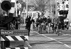 off they go ! (streamer020nl) Tags: city holland netherlands cyclists town crossing nederland groningen railways paysbas stad niederlande fietsers 2016 wacht spoorwegovergang 230316