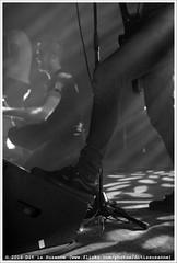 John Coffey @ Vera Mainstage (Dit is Suzanne) Tags: blackandwhite netherlands concert zwartwit availablelight gig nederland groningen vera soldout sigma30mmf14exdchsm views50   img2885 veraclub uitverkocht  beschikbaarlicht canoneos40d johncoffey   rockrollshoes veramainstage ditissuzanne 18122015