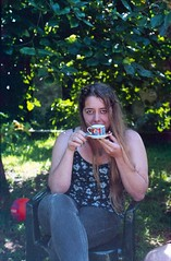 ctia, august 2014 (Tefilo de Sales) Tags: park friends summer green film portugal analog 35mm 50mm nikon picnic kodak expired nikkormat analogic kodak200 nikkormatel terroso