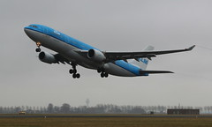 KLM Royal Dutch Airlines Airbus A330-200 (AMSfreak17) Tags: world holland netherlands dutch amsterdam canon de airplane airport aircraft airplanes nederland royal off planes airbus danny take klm airlines schiphol runway ams vliegtuig the eham planespotting luchthaven spotter a330200 vliegtuigen 70d luchtvaart polderbaan of phaoe 36l soet amsfreak17