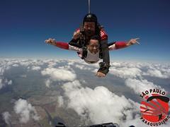 G0060595 (So Paulo Paraquedismo) Tags: skydive tandem freefall voo paraquedas quedalivre adrenalina saltar paraquedismo emocao saltoduplo saopauloparaquedismo
