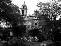 Templo de San Jacinto (puntokom) Tags: bw blancoynegro church mxico architecture blackwhite arquitectura iglesia airelibre monocromtico sanngel cdmx